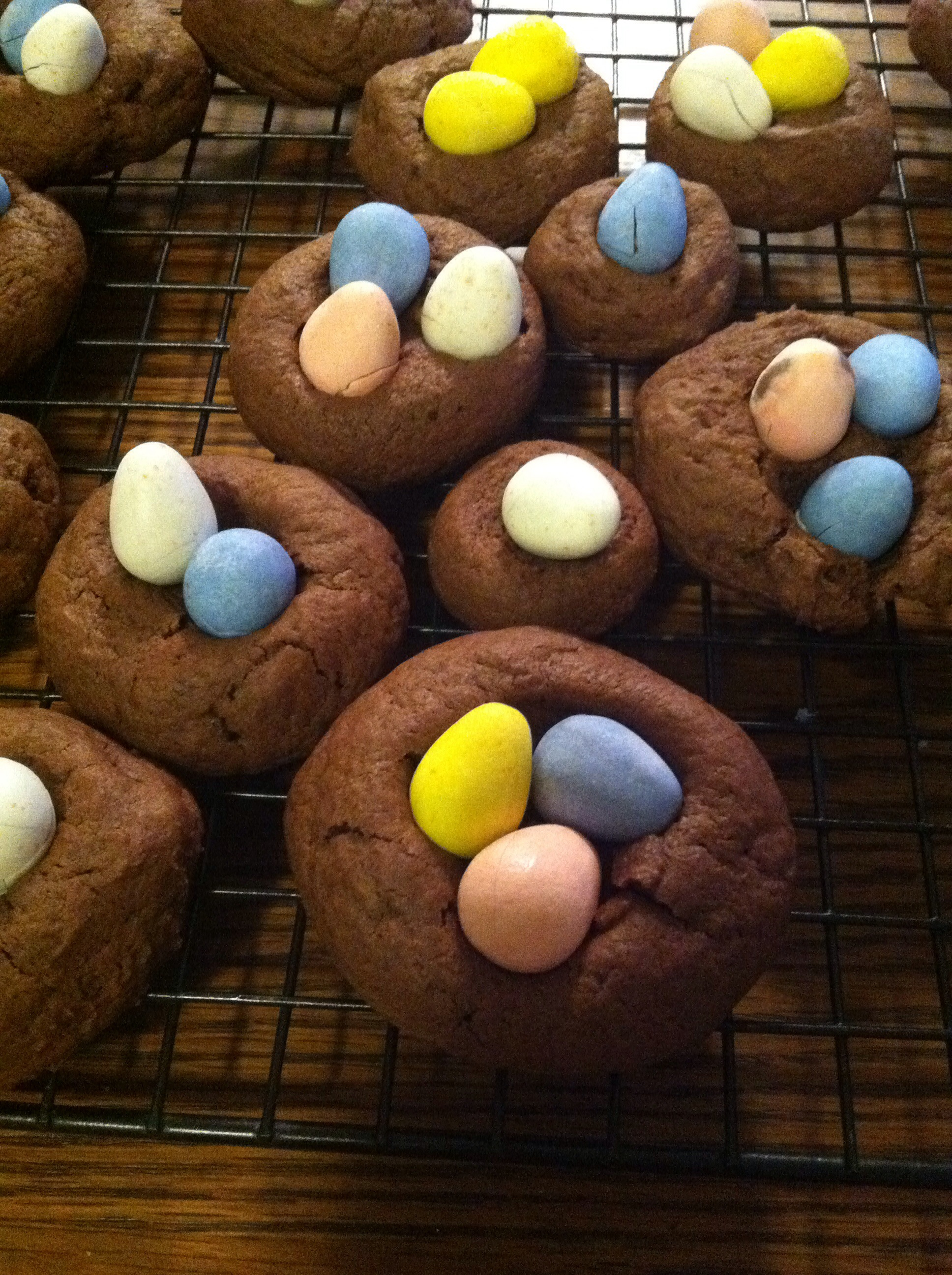 Chocolate Easter Egg Nest Cookies | xtinaluvspink.wordpress.com