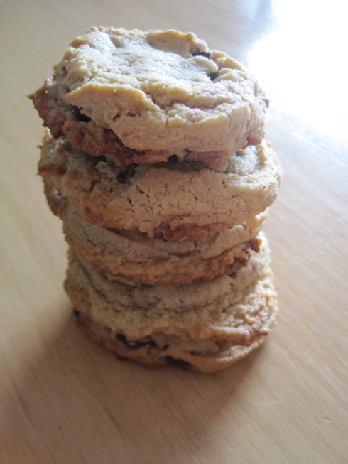 Healthier Tahini Chocolate Chip Cookies | xtinaluvspink.wordpress.com