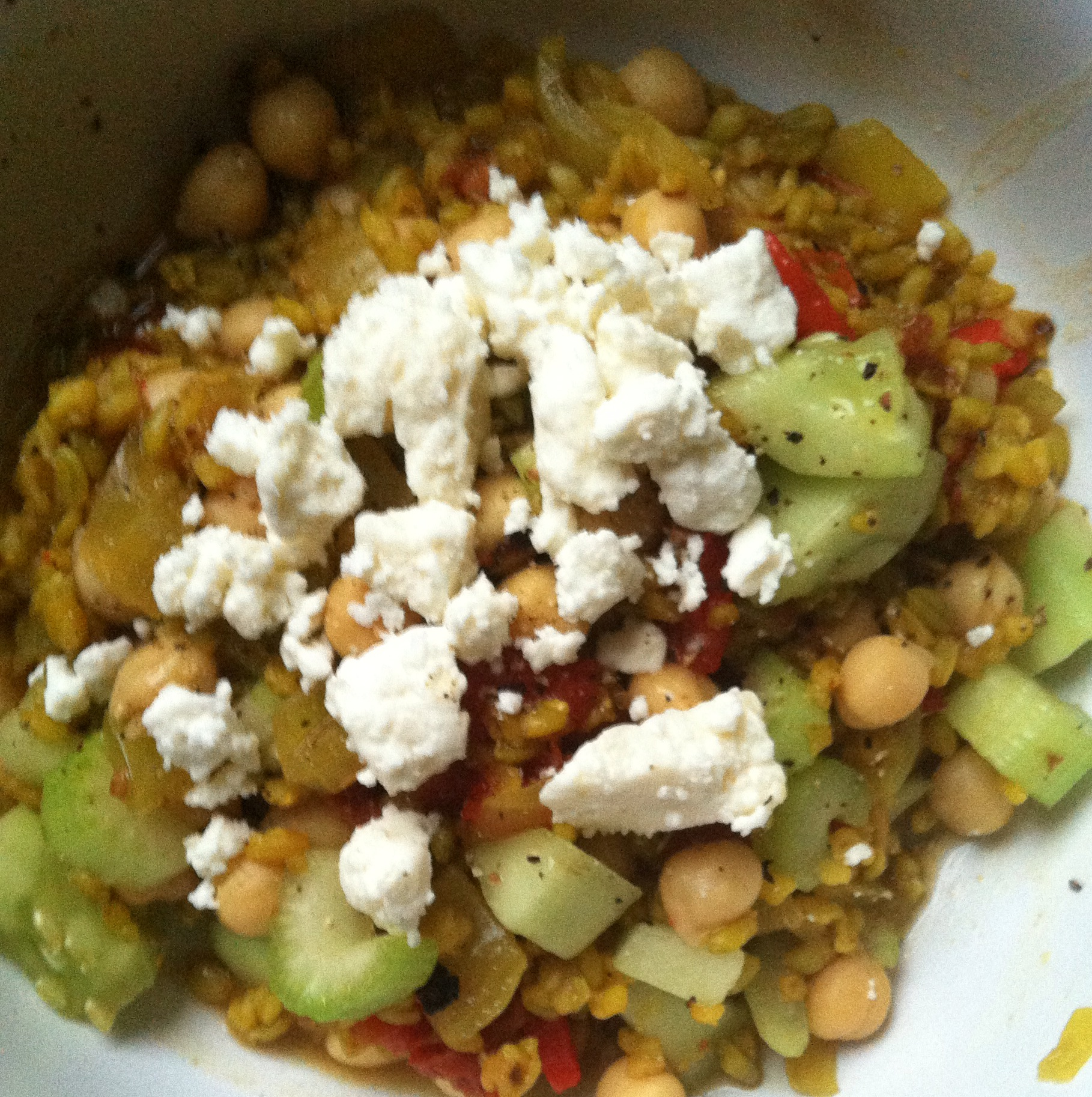 Freekeh, Chickpea and Crunchy Veggie Stew | xtinaluvspink.wordpress.com
