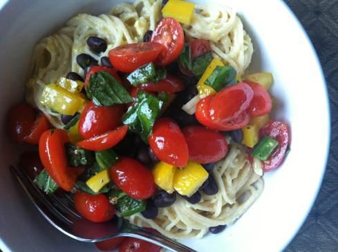 Corn Pasta Sauce with Marinated Fresh Veggies   xtinaluvspink.wordpress.com