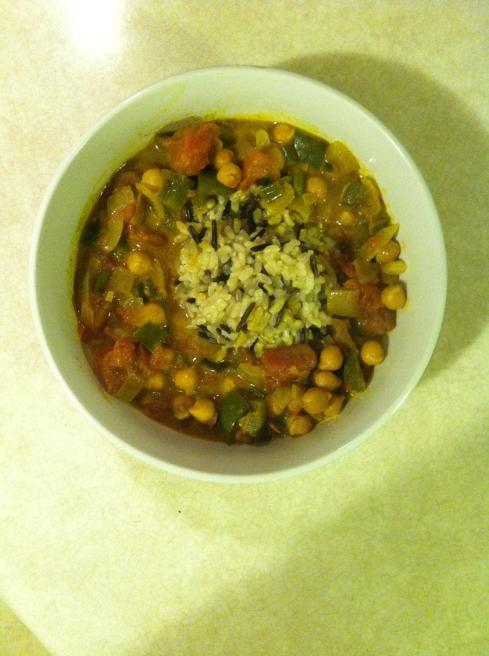 Chickpea and Vegetable Curry with Wild Rice | xtinaluvspink.wordpress.com