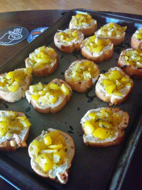 Baked Mozzarella Bruschetta - Constable Odo's Recipe | xtinaluvspink.wordpress.com