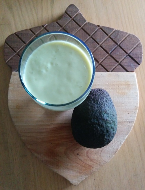 Orange Creamsicle Avocado Protein Smoothie | xtinaluvspink.wordpress.com