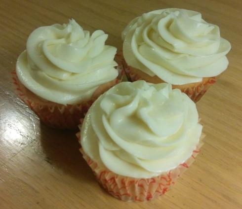 Pink Velvet Cupcakes | xtinaluvspink.wordpress.com
