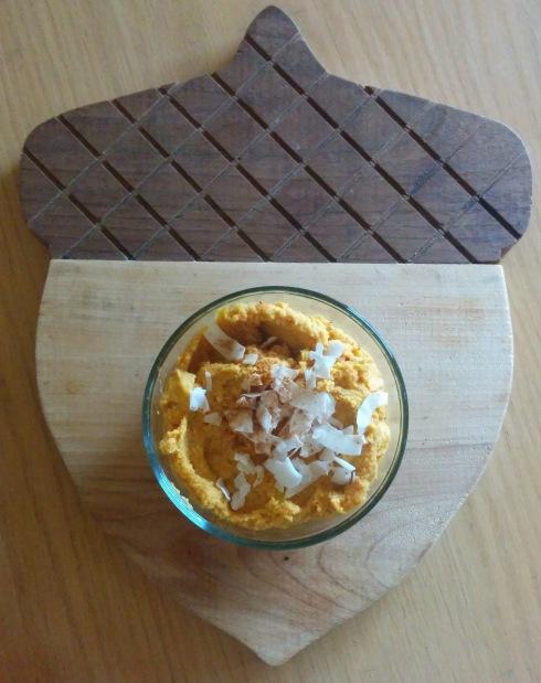 Carrot Cake Hummus | xtinaluvspink.wordpress.com