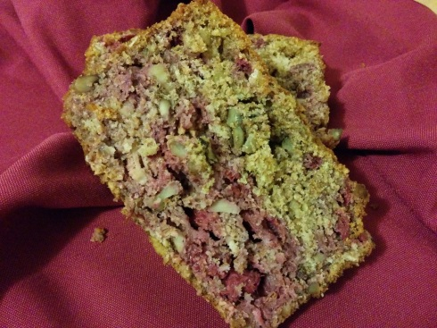 Raspberry Walnut Quick Bread | xtinaluvspink.wordpress.com