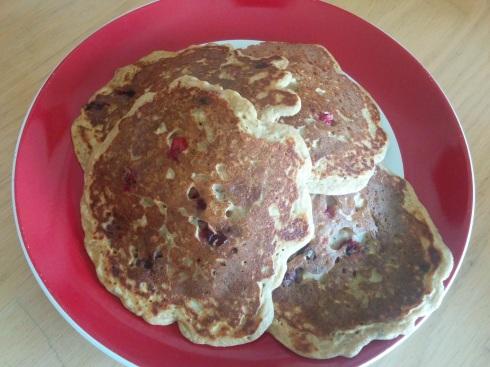 Whole Wheat Cranberry OJ Pancakes | xtinaluvspink.wordpress.com