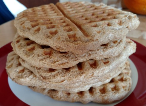Yeasted Whole Wheat Waffles | xtinaluvspink.wordpress.com