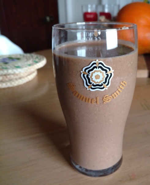 Roasted Pumpkin Chocolate Protein Smoothie | xtinaluvspink.wordpress.com