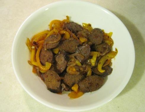 Vegan Sausage, Peppers and Onions | xtinaluvspink.wordpress.com