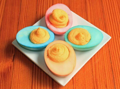 Cheddar Deviled Easter Eggs | xtinaluvspink.wordpress.com