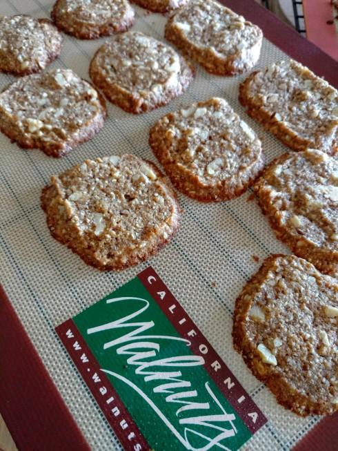 Healthier Walnut Refrigerator Cookies | xtinaluvspink.wordpress.com