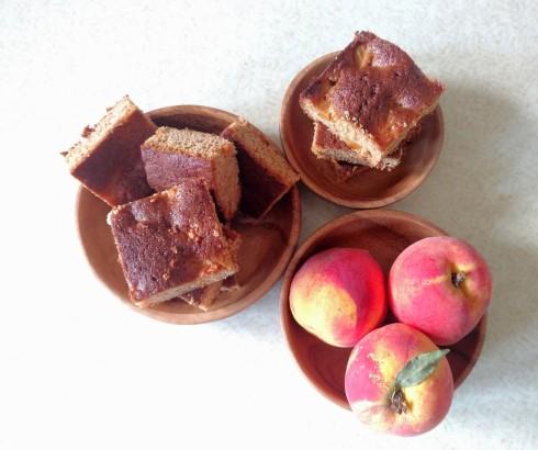 Peach Pie Blondie Bars {vegan, whole wheat, unrefined sugar free} | xtinaluvspink.wordpress.com