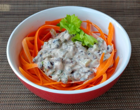 Creamy Black Bean & Carrot Ribbon Salad | xtinaluvspink.wordpress.com