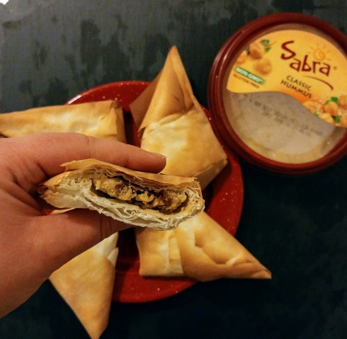 Hummus Phyllo Dough Turnovers | xtinaluvspink.wordpress.com