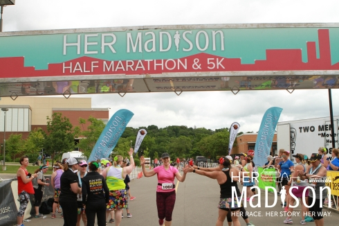 Her Madison Half Marathon Race Recap | xtinaluvspink.wordpress.com